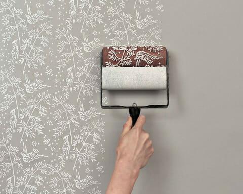 DIYで壁紙を張替える