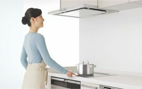 パナソニックのシステムキッチンは毎日のお手入れが拭き掃除だけで済む工夫がされている