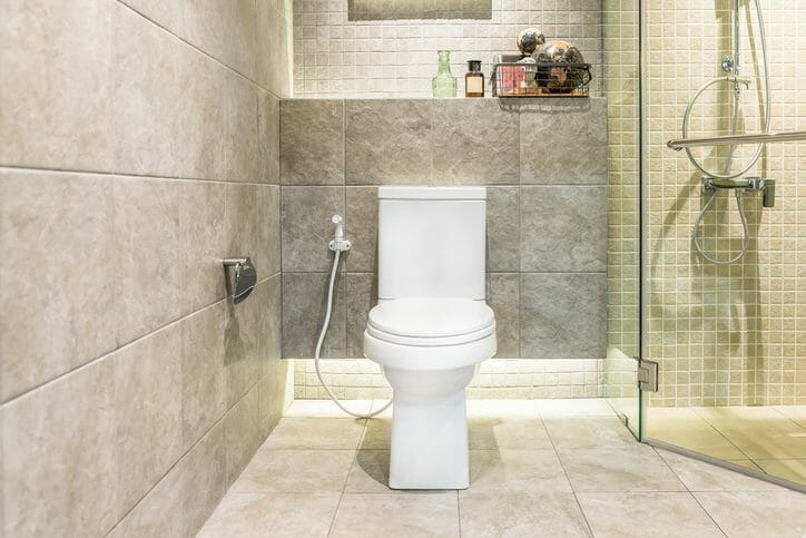 トイレの床をタイルに張替えリフォームするメリットとデメリットは?