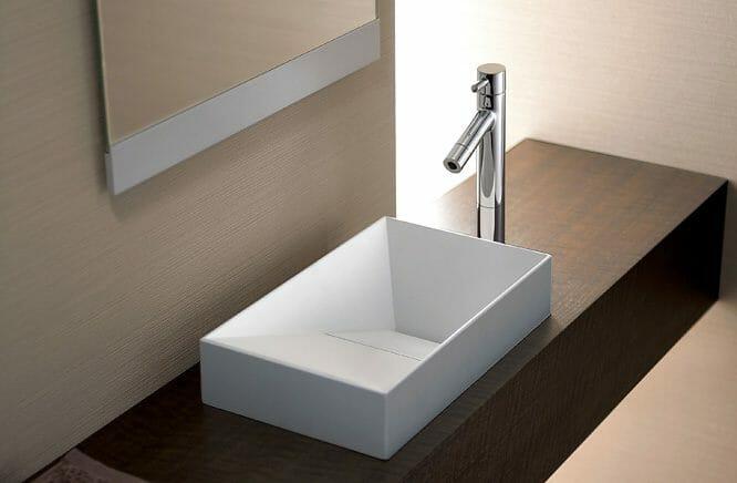 スペースを有効的に使える小型の手洗い器が高評価の「TOTO」