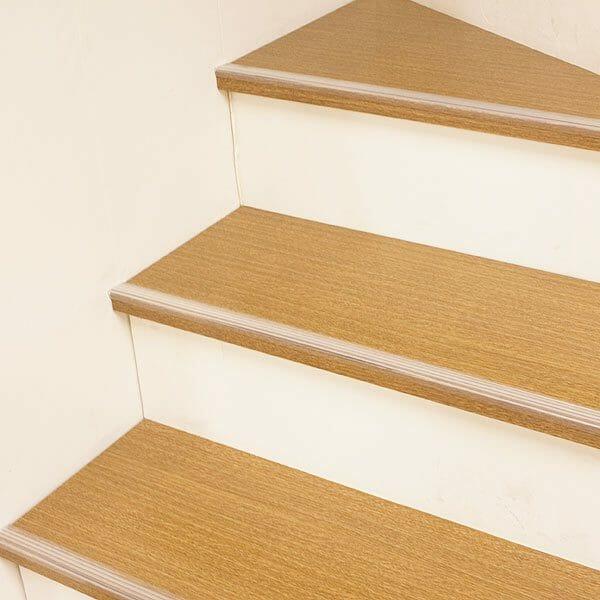 自宅屋内の階段滑り止めリフォーム