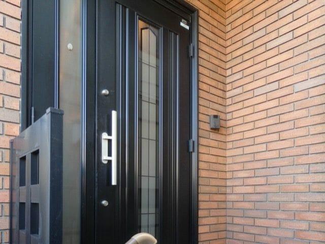 相相模原で玄関ドアのリフォームが評判の会社と施工事例を紹介!