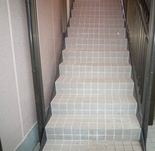 二世帯住宅の外階段リフォームにかかる費用や価格は?
