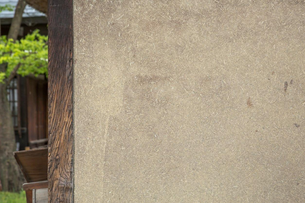 外壁セルフチェック|クラック、チョーキングとは?