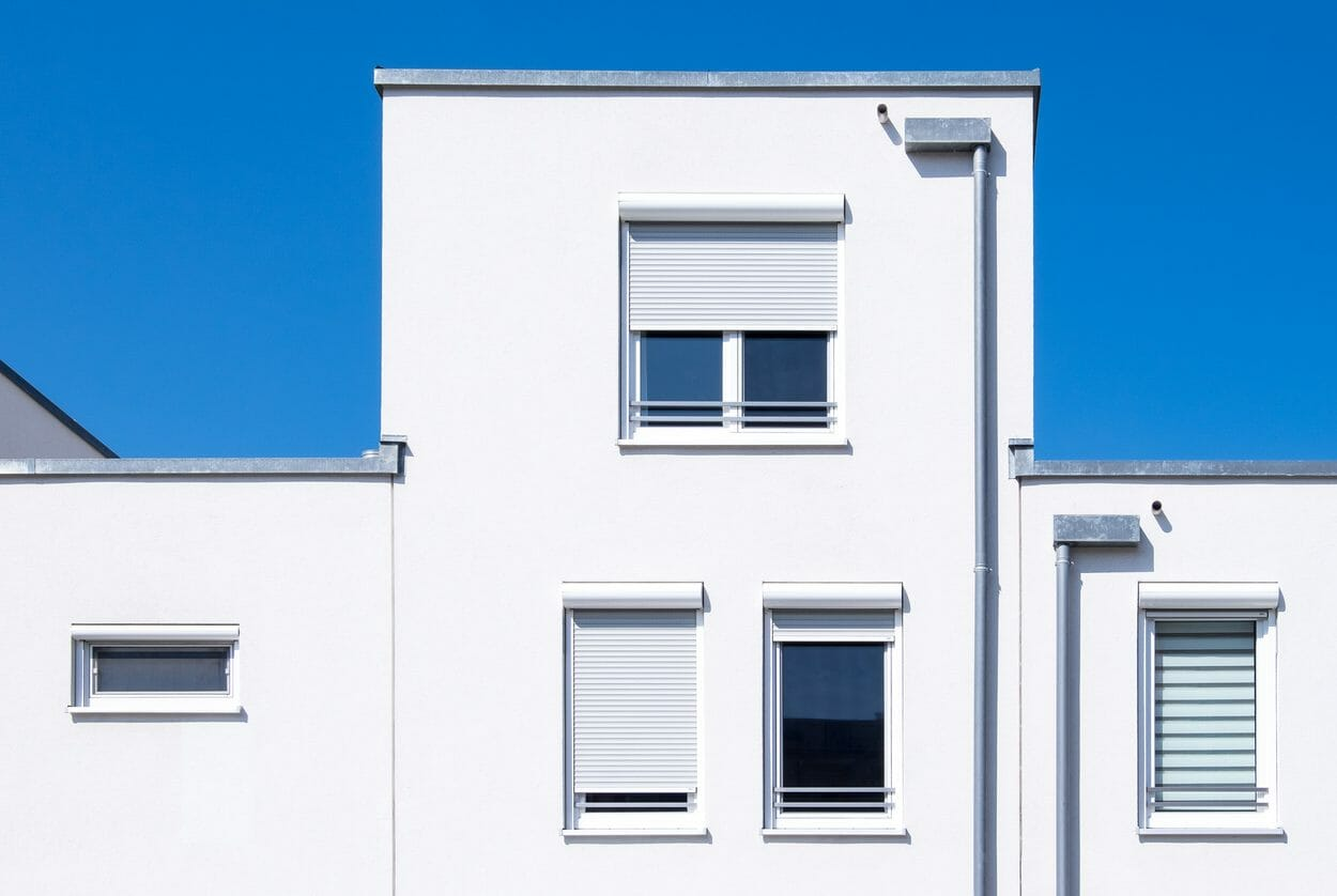 外壁の劣化、原因や対処法は?