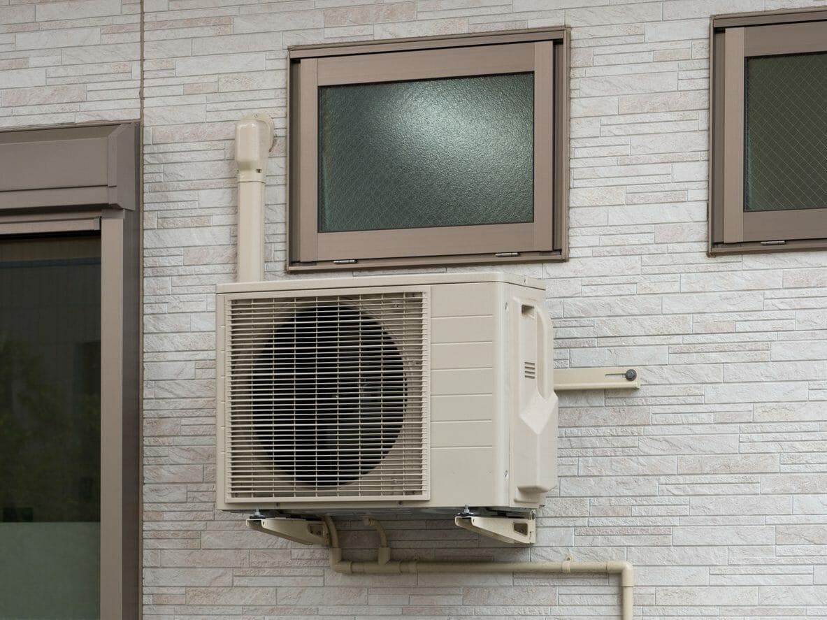 外壁塗装中は空調(エアコン)使えるってホント?塗装中の室外機はどうなる?