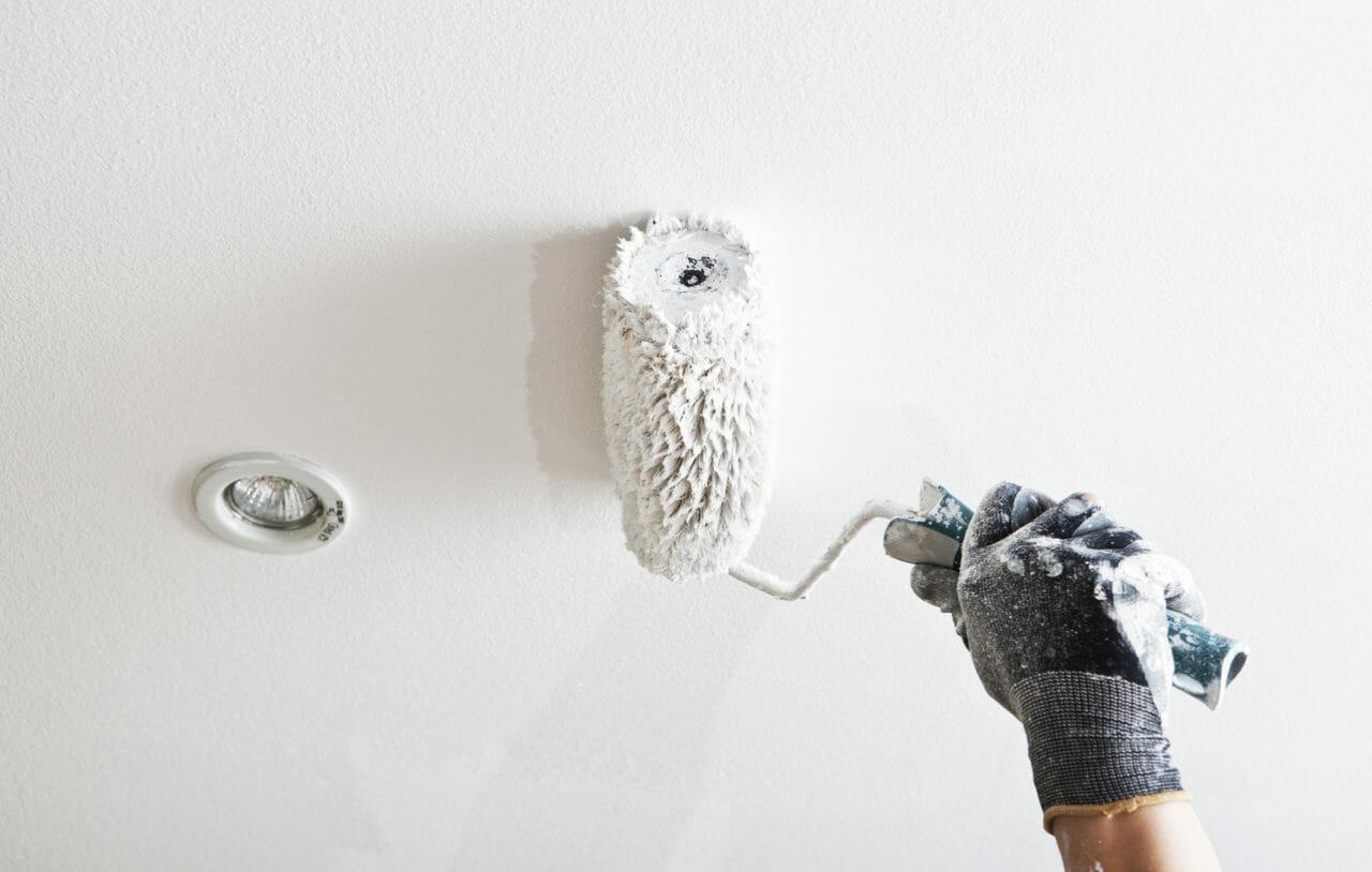 天井を塗装するリフォーム費用は?