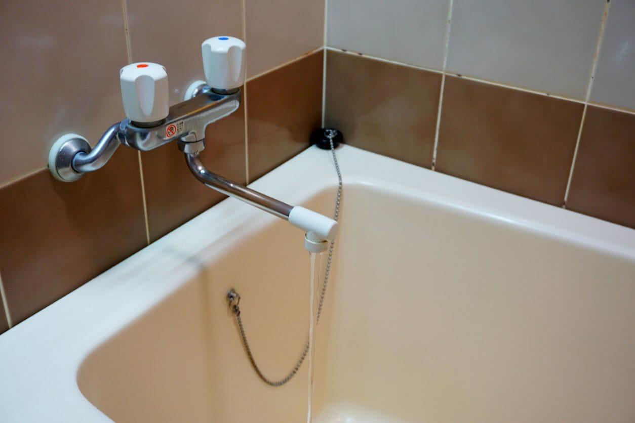 在来工法の浴槽を塗装したい方必見!入れ替えと塗装でどっちがおすすめ?