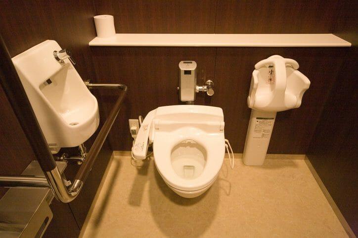 トイレに手すりを取り付ける費用や価格は?