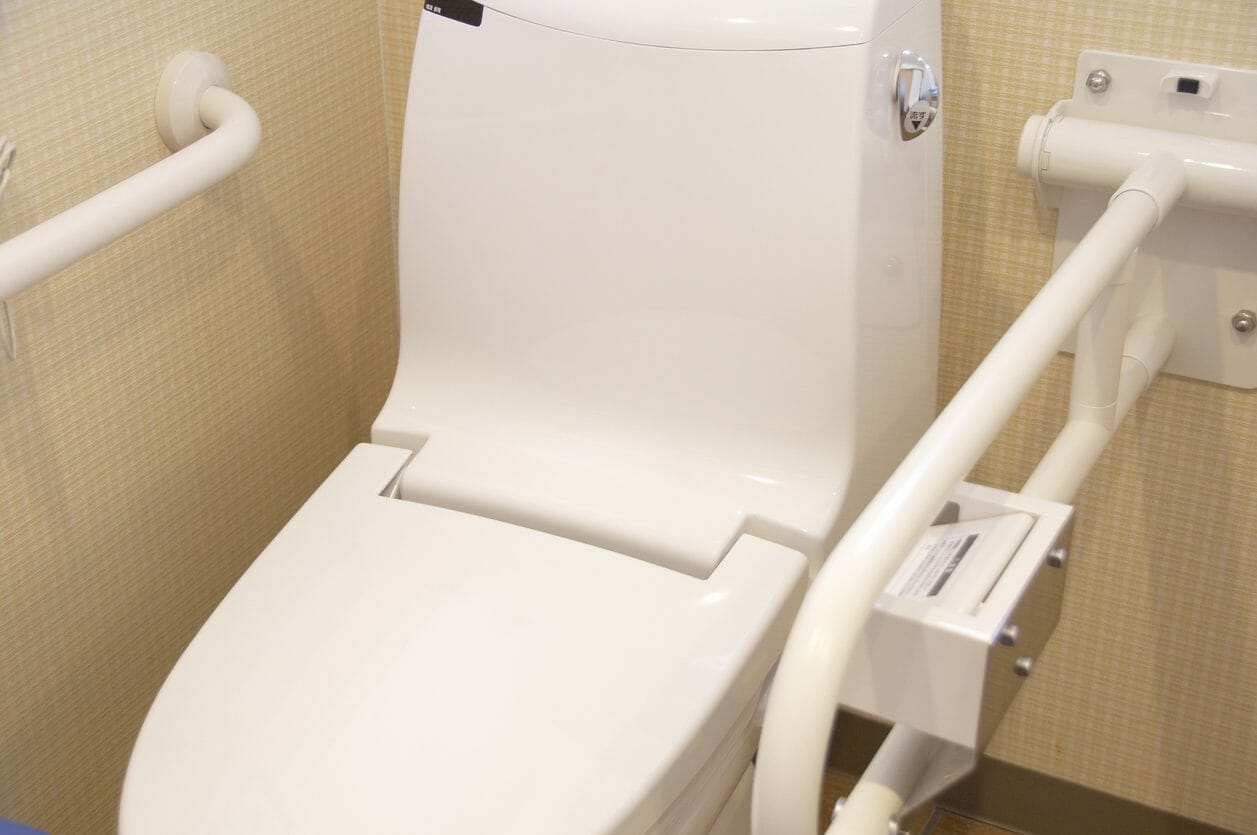 介護トイレにバリアフリーリフォームするのにかかる費用は?