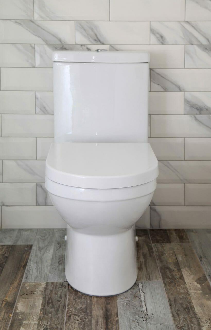 トイレの壁紙やクロス張替えにかかるリフォーム費用は