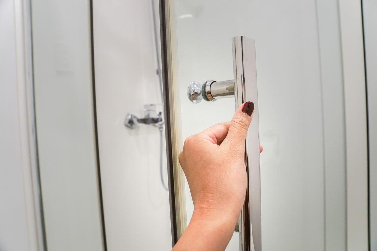 浴室のドアや扉の交換・修理のリフォーム費用・価格の相場は?