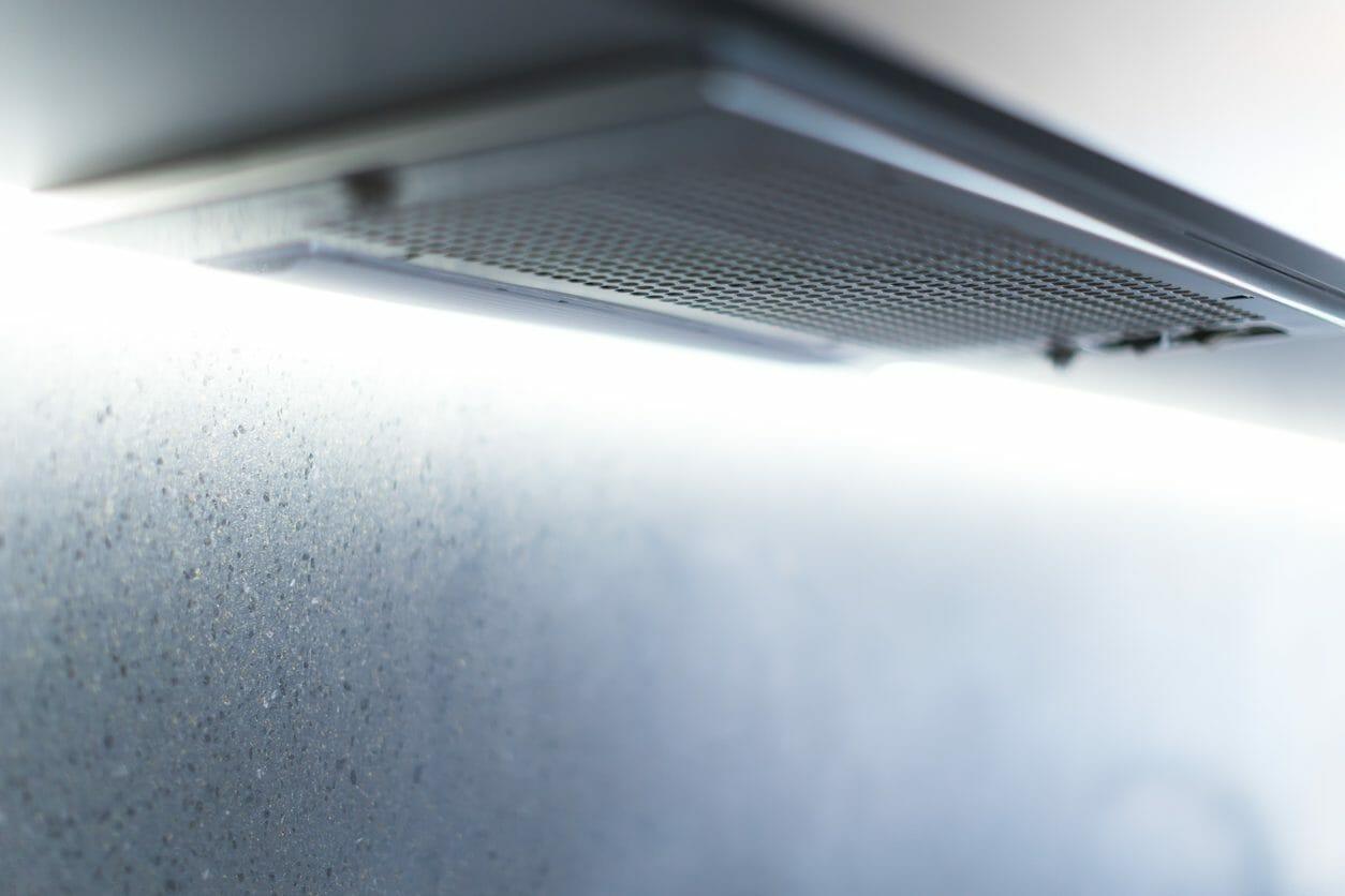 ミニキッチンの換気扇を交換する!費用や手間、工期はどれくらい?
