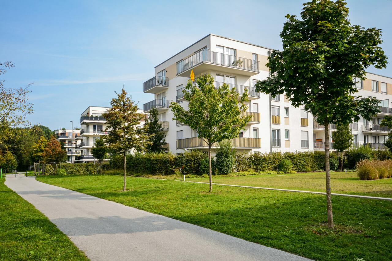 住宅を任意売却する場合と競売にかける場合の売却価格の差は?