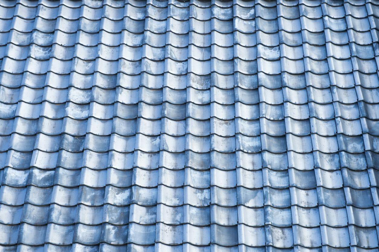 屋根瓦を塗装する費用は?