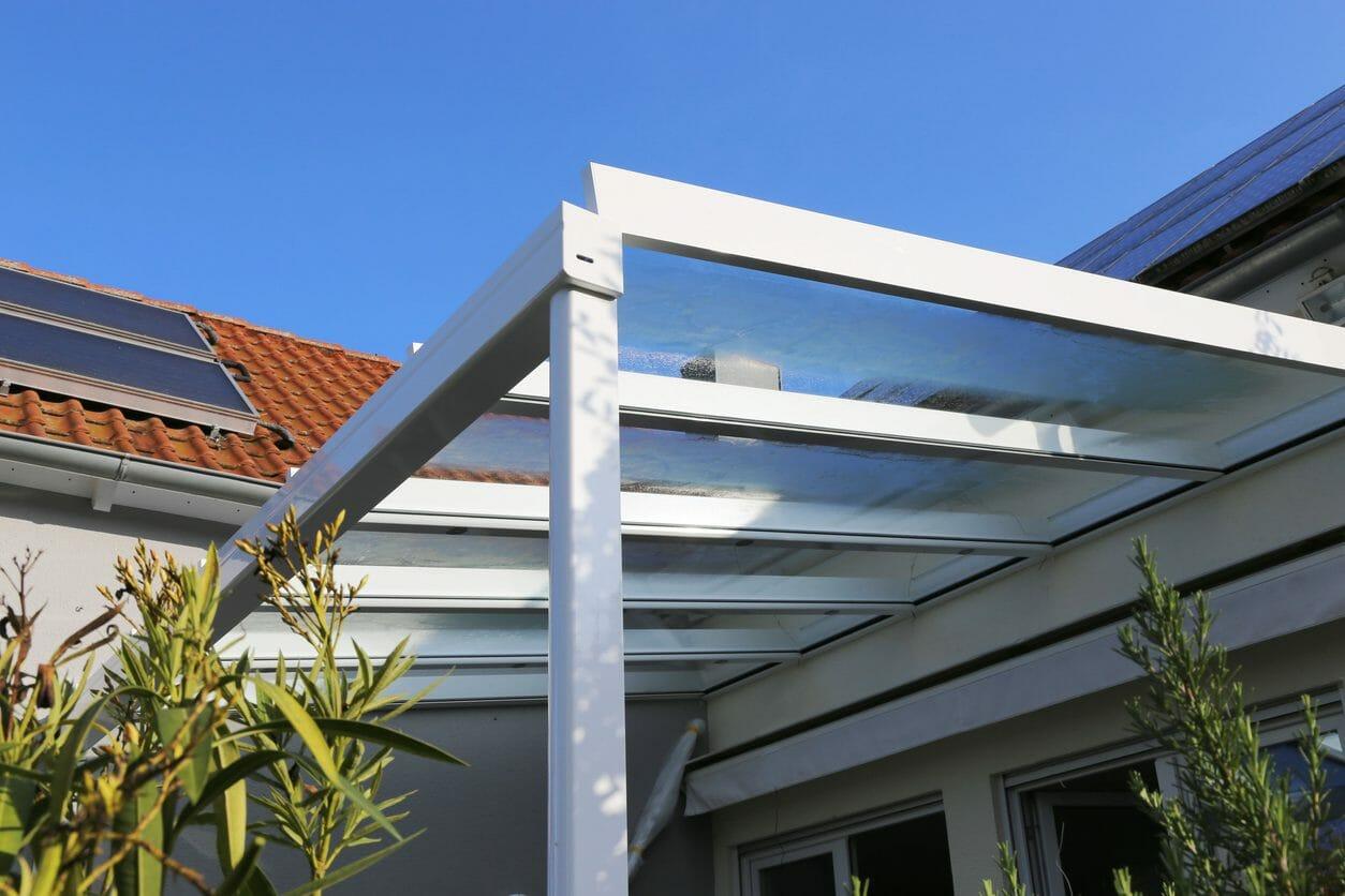 テラスの屋根の修理費用・価格は?