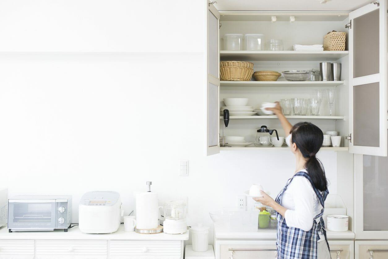 キッチンの背面収納、おしゃれで使いやすくする方法は?