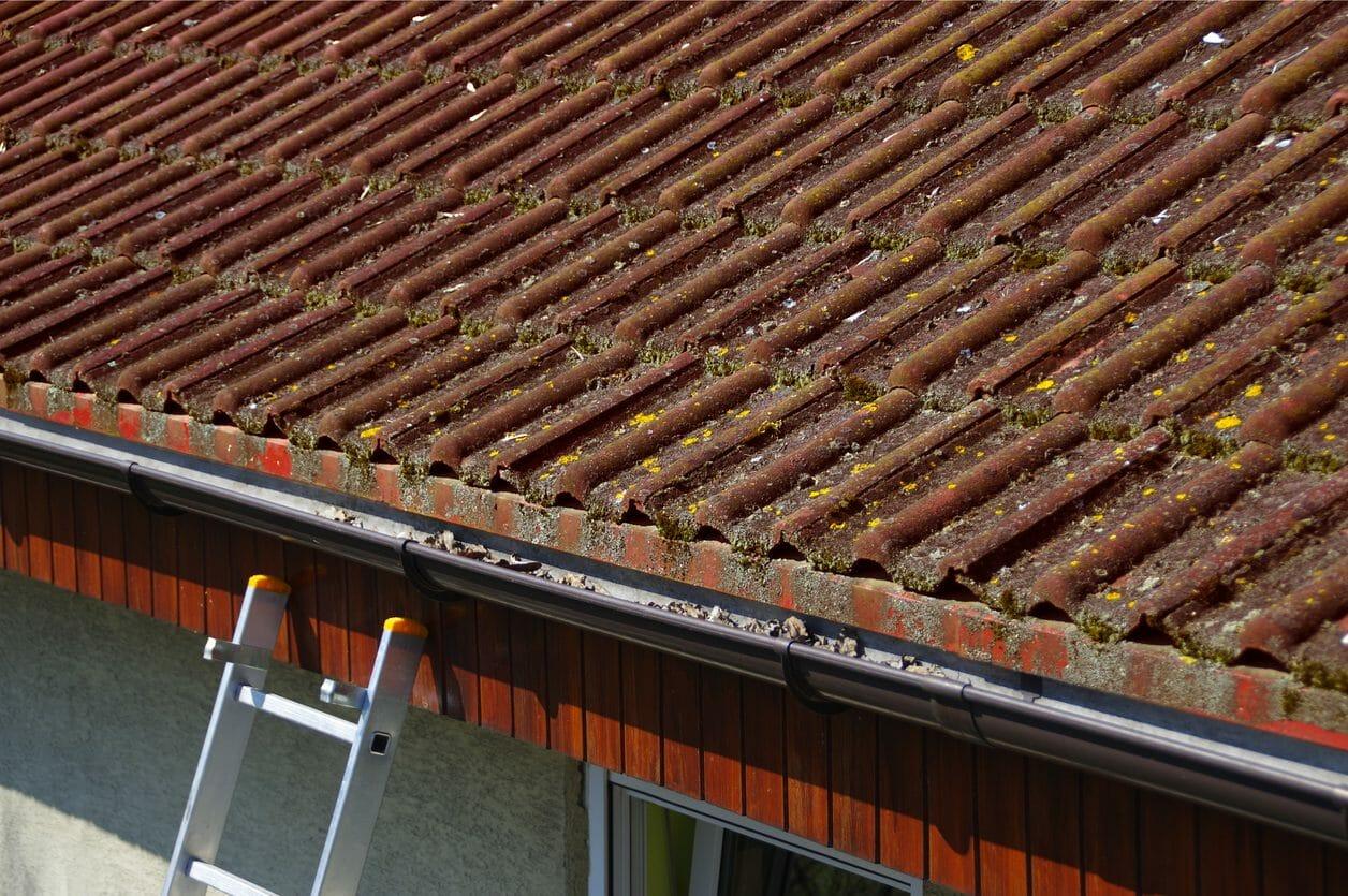 アスベスト入り屋根は危険なの?撤去時の注意点もご紹介します