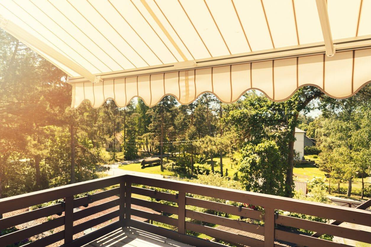 テラスの屋根を延長する価格・費用の相場は?