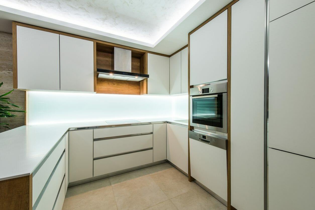 コの字型キッチンの特徴・メリットデメリット・ポイントを一挙紹介!