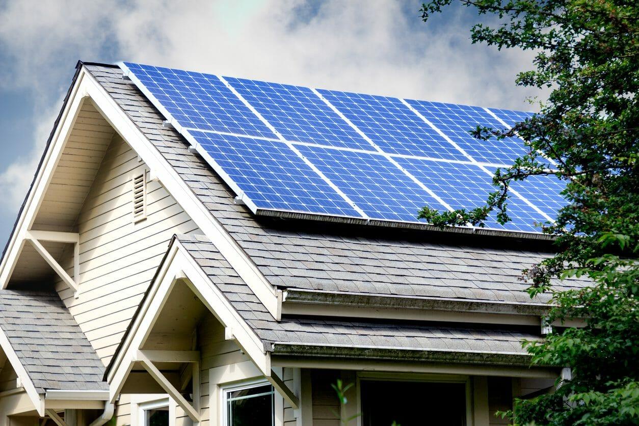 格安・激安でソーラーパネル(太陽光発電)を設置・後付けするには?